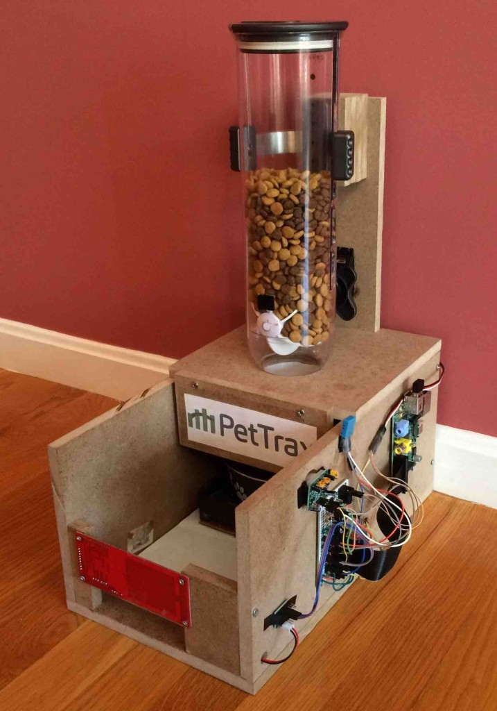 PetTrax Pet Feeder